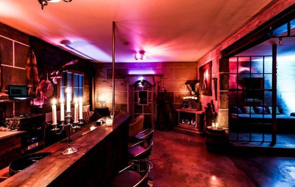 Saloon 3
